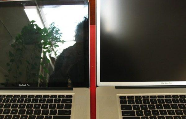 Сравнение глянцевого и матового экрана